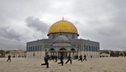 """""""إسرائيل"""" تمنع ترميم قبة الصخرة وتهدد باعتقال العاملين"""