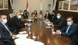 عكر عقدت اجتماعاً حول القرارات والتعاميم المتعلقة بالإعفاءات الضريبية والرسوم للمواطنين المتضررين جراء انفجار المرفأ