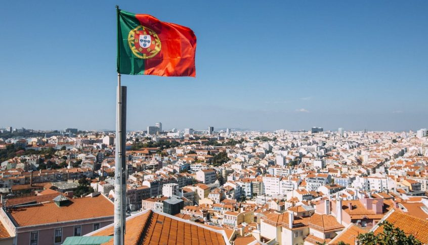 البرتغال تسجل 291 وفاة جديدة بفيروس كورونا