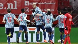 اياكس ينفرد في صدارة الدوري الهولندي