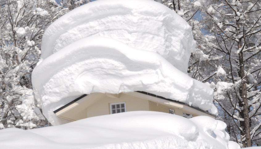 مصرع أكثر من 60 ياباني بسبب الثلوج