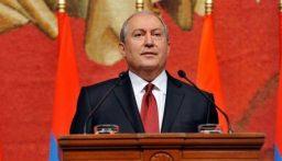 الرئيس الأرمني يرفض إقالة قائد الأركان لديه