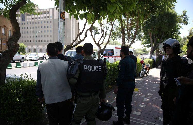 بعد إحباطه عملية انتحارية.. الأمن الإيراني يعلن مقتل إرهابيين في بيرانشهر
