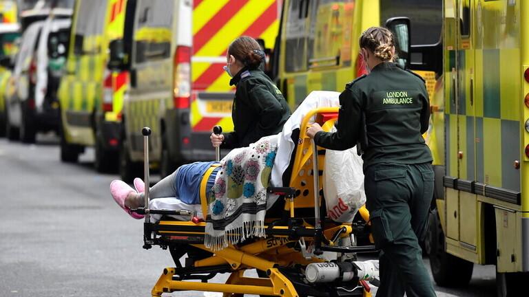 بريطانيا تسجل 7393 إصابة و7 وفيات جديدة بكورونا