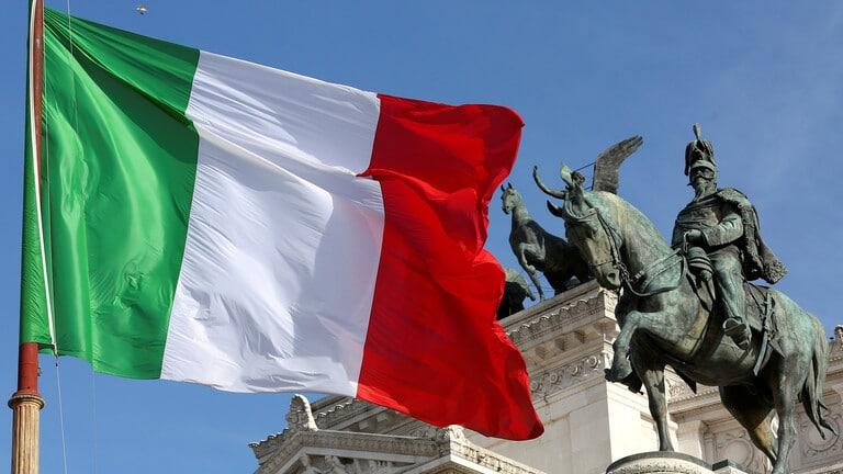 الشرطة الإيطالية: استعادة تمثال روماني يعود للقرن الأول الميلادي سرق سنة 2011 من موقع أثري