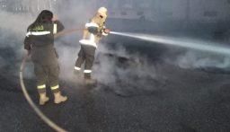 حريق اطارات غير صالحة على اوتوستراد ميرنا الشالوحي