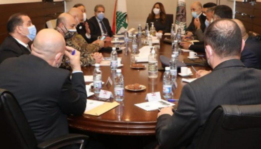 إجتماع في وزارة الدفاع حول مكافحة التهريب والإحتكار