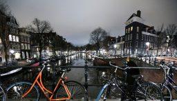 انفجار قرب مركز اختبارات كورونا في هولندا