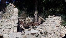 إصابة مواطنين إثر سقوط قنطرة من الحجارة عليهما في حرار