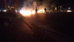 فتح بعض الطرق في منطقة النبطية بعد قطعها مساء من قبل محتجين