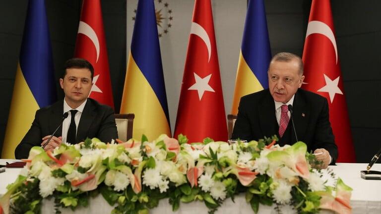 الرئيسان التركي والاوكراني يؤكدان دعم آفاق انضمام كييف للناتو