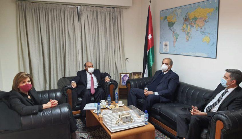 وفد من الوطني الحر برئاسة خريش زار السفير الأردني.. وتأكيد على رفض أي مسّ بإستقرار الأردن الداخلي