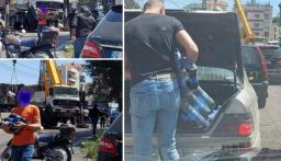 """بالصور: انقلاب """"شاحنة بيبسي"""" في عاليه وما سلم من """"قناني"""" أصبح في صناديق السيارات!"""