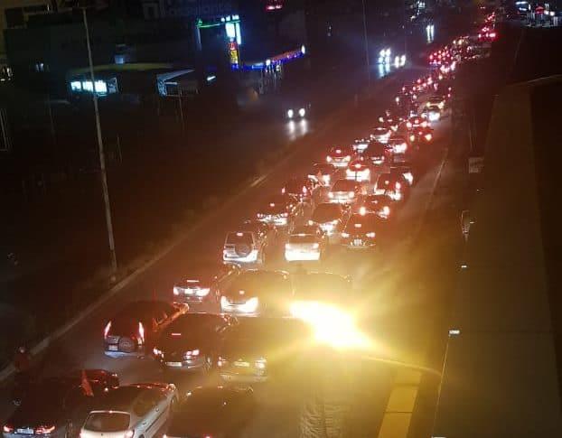 تحركات عفوية في الشارع تأييداً للرئيس عون بعد كلمته للبنانيين(فيديو وصور)
