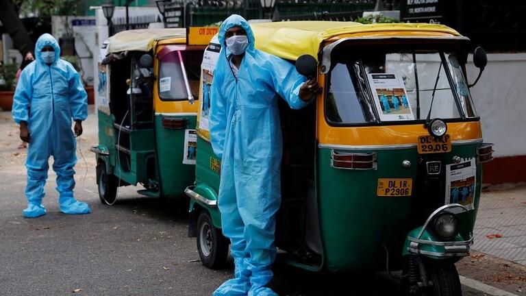"""الهند.. تحول عربات الـ""""توكتوك"""" في نيودلهي لسيارات إسعاف!"""