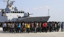 البحرية الإيطالية تنقذ صياداً أصيب بطلقات تحذيرية قبالة ليبيا
