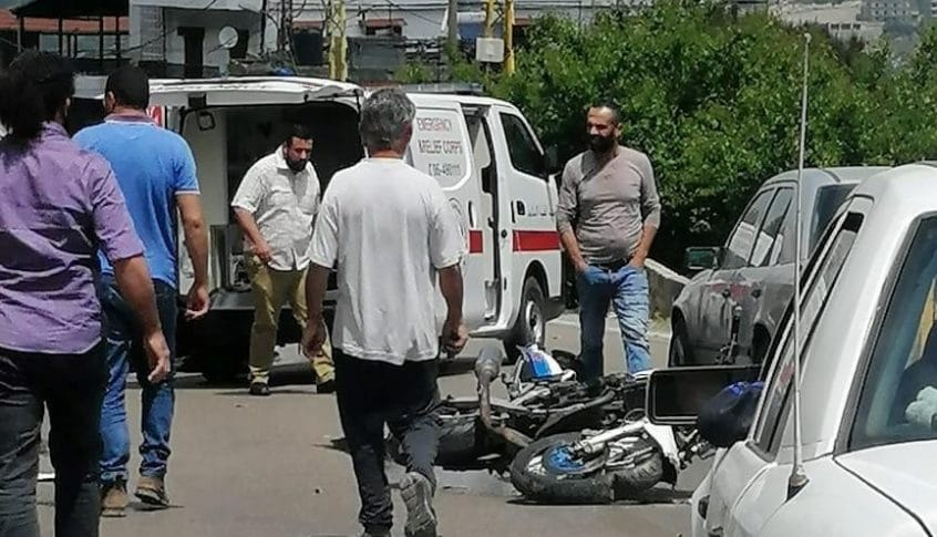 جريح بحادث صدم دراجة نارية في حقل العزيمة في الضنية