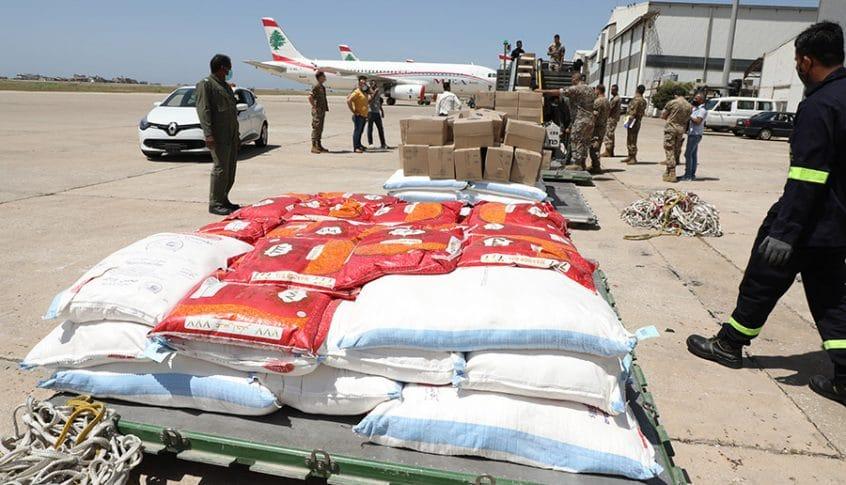 وصول مواد غذائية مقدّمة من سلطنة عمان للجيش اللبناني