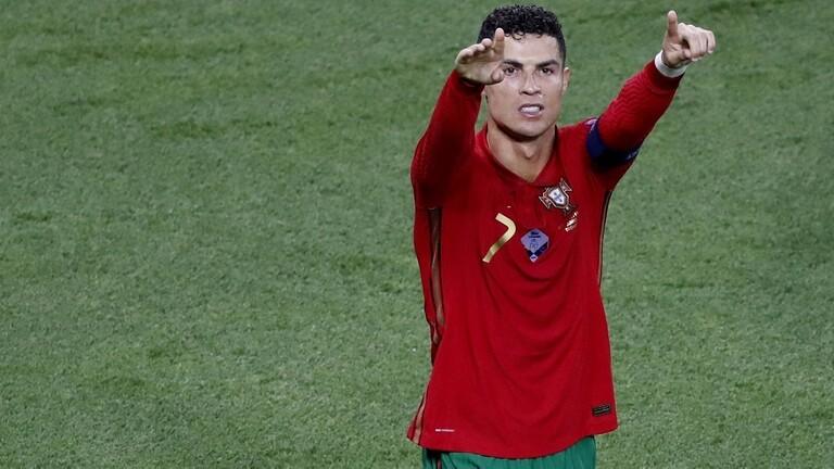 رونالدو الأعلى أجراً في كرة القدم