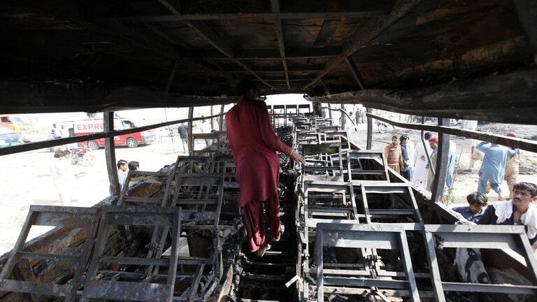 20 قتيلاً و50 جريحًا إثر حادث سير مروع في باكستان