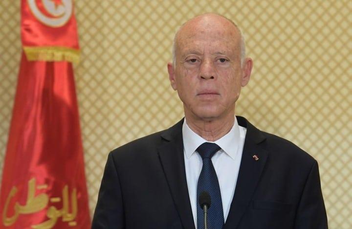 الرئيس التونسي يقول إن بلاده تلقت 6 ملايين جرعة من لقاحات كورونا منحاً من دول صديقة