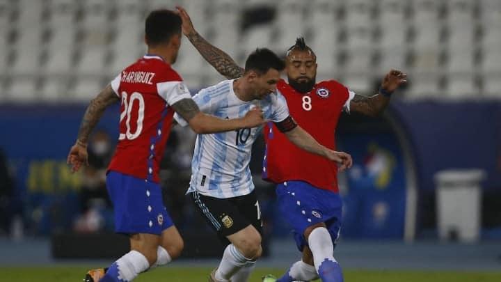 ميسي ينتقد أداء منتخب الأرجنتين بعد التعادل مع تشيلي