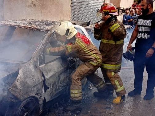 إهماد حريق سيارتين في منطقة الاوزاعي