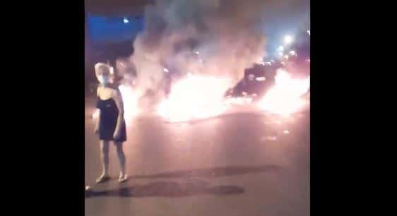 بالفيديو: إقفال مسلكي اوتوستراد زوق مصبح