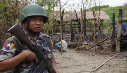 أنباء عن وقوع اشتباكات بين قوات الأمن في ميانمار ومسلحين في مدينة ماندالاي (BBC)