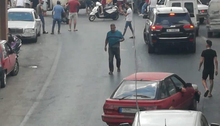 أحد أصحاب المولدات في معركة قطع الطريق!