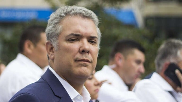 كولومبيا تعتقل 10 أشخاص على خلفية إطلاق النار على طائرة الرئيس