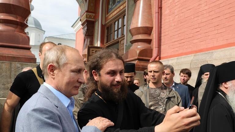 فيديو: بوتين يزور ديرا أرثوذكسيا قرب الحدود الروسية مع فنلندا