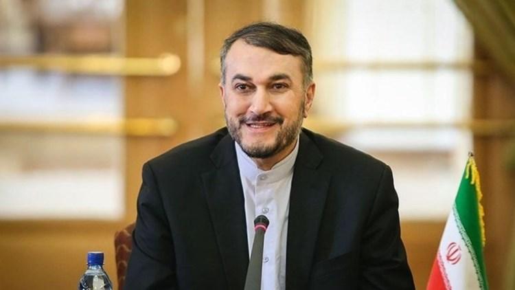 وزيرا خارجية إيران وأذربيجان يؤكدان على ضرورة حل المشاكل عبر الحوار