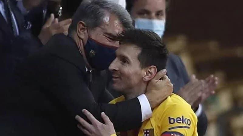 رئيس نادي برشلونة يكشف مفاوضات تجديد العقد مع ميسي