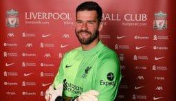 أليسون يمدد عقده مع ليفربول