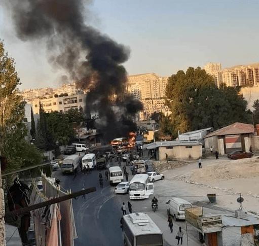 قتيل و3 جرحى إثر انفجار حافلة للجيش السوري في دمشق