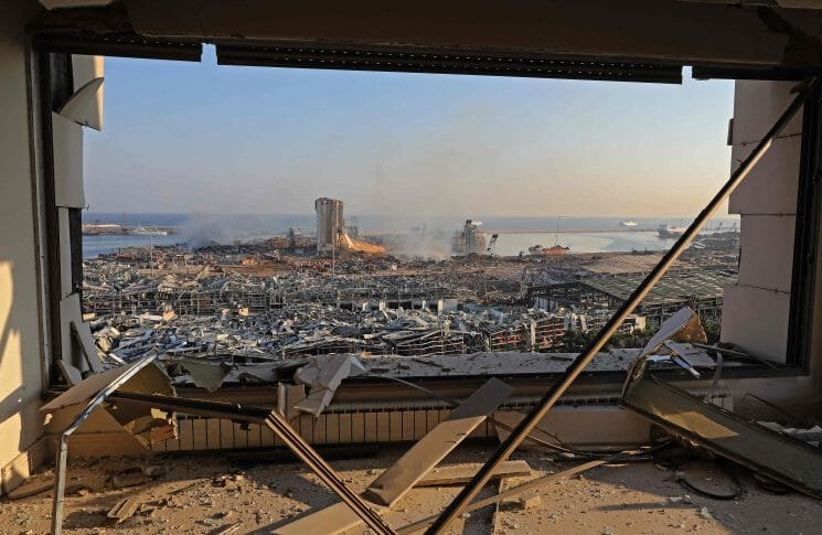 عام على انفجار المرفأ: هدم 100 مبنى وتصليح 50 % من المنازل… والدولة غائبة (ايفا ابي حيدر-الجمهورية)