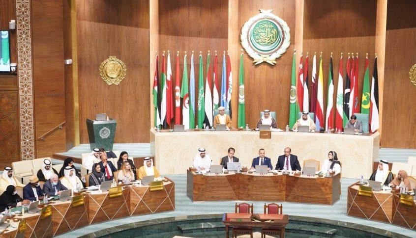 البرلمان العربي: إستهداف الحوثيين لمطار أبها جريمة حرب