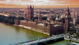 وفاة نائب بريطاني بعد تعرضه للطعن خلال اجتماع مع الناخبين