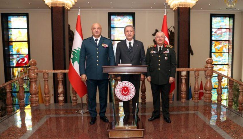 الجيش: العماد عون بحث مع وزير الدفاع التركي في وضع المؤسسة العسكرية ودعمها