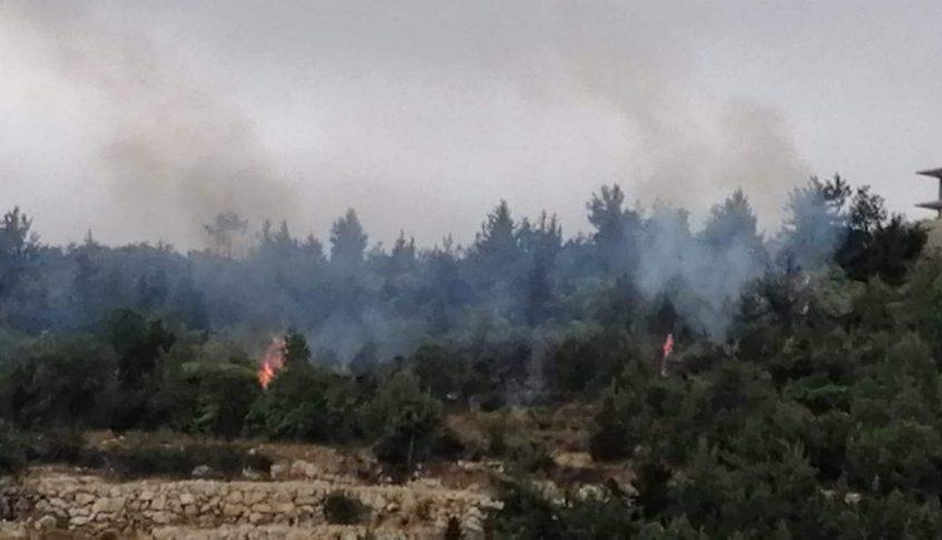 حريق في بنتاعل يعمل الدفاع المدني على اهماده