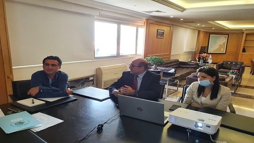 وزير الاشغال عرض مع خليفة مشاريع مرفأ صور: يلعب دورا محوريا في تصدير النفط مستقبلا وجذب الاستثمارات