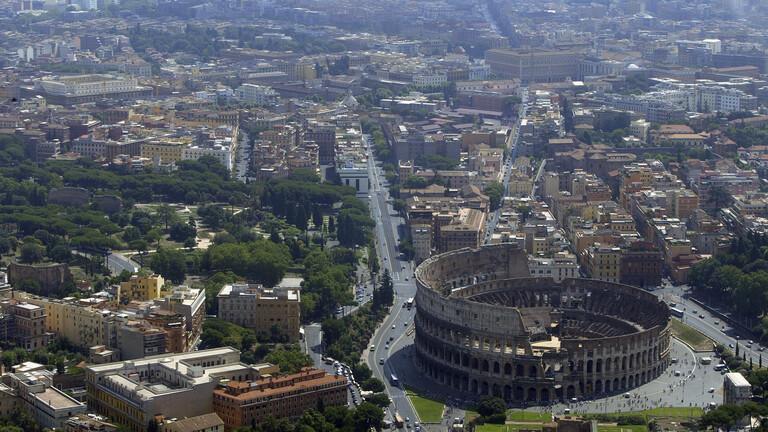 بالفيديو: الخنازير البرية تغزو روما!