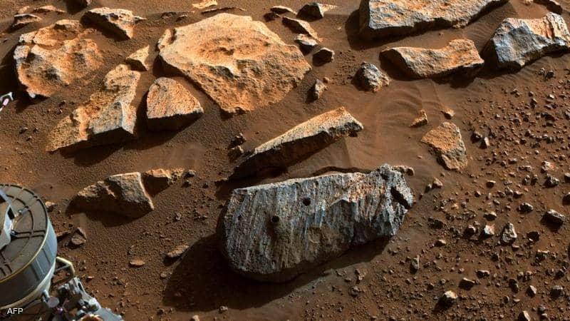 """""""روبوت ناسا"""".. استخراج صخرة من المريخ قد تشير لوجود """"حياة"""""""