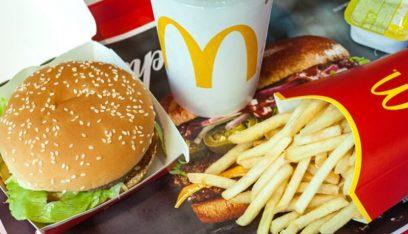 ماكدونالدز تبدأ تدريجياً استبدال ألعاب الأطفال البلاستيكية