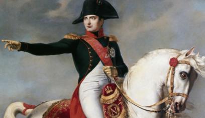 نابوليون يعود إلى فرساي باستعراض عسكري رمزي في مئوية وفاته الثانية