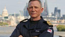 """دانيال كريغ: """"مقدّم"""" في البحرية الملكية"""