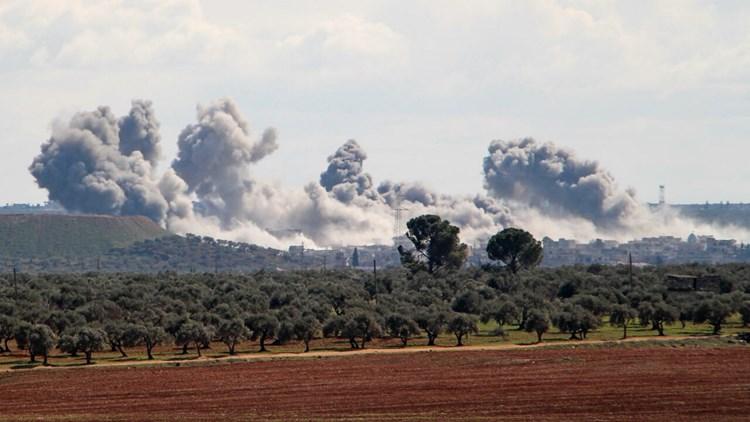 غارات سورية وروسية تستهدف المسلحين في ريفي إدلب واللاذقية
