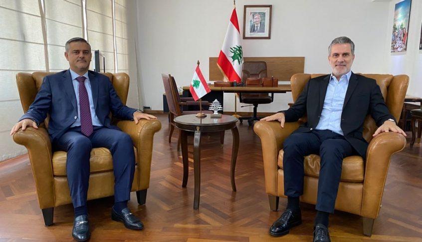 الوزير نصار التقى رئيس المطار: لتشديد على تحسين عملية استقبال الوافدين