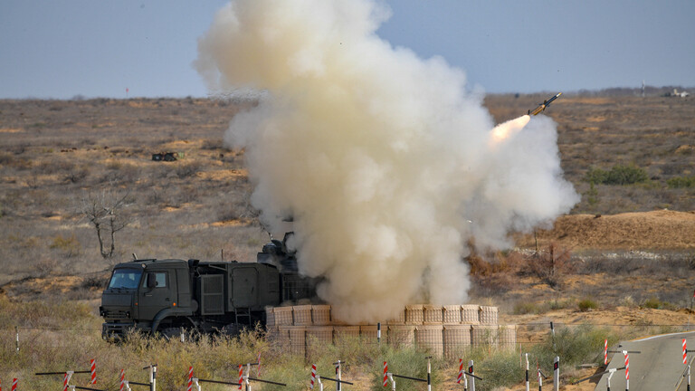 """دفاعات """"حميميم"""" أسقطت طائرة مسيّرة أطلقها مسلحو إدلب"""